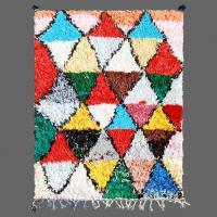 Comme un mélange de Miró et Picasso, ce tapis de Boucherouite est chargé de goût artistique.